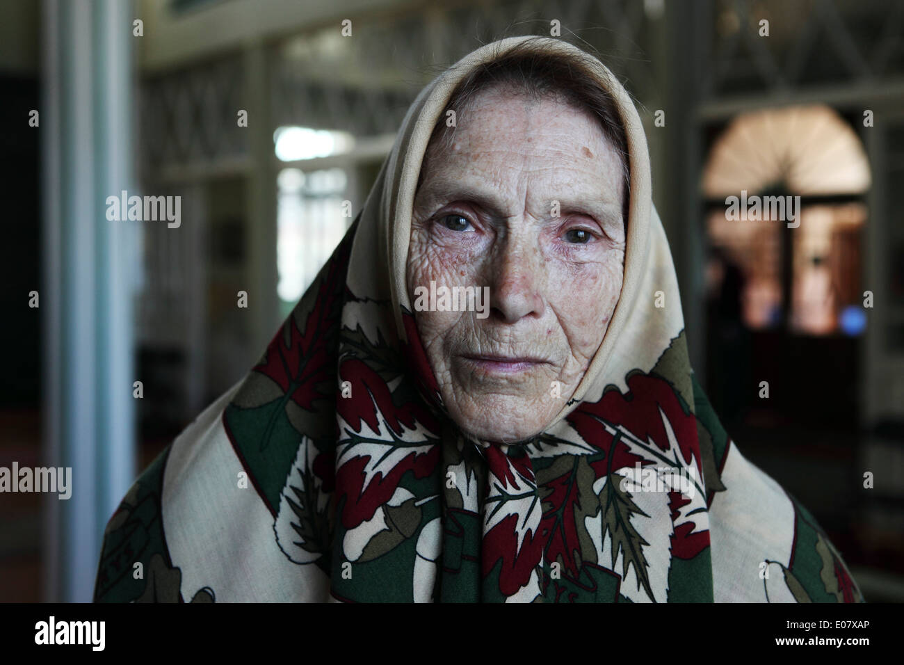 A female Old Believer at Mustvee, Estonia. - Stock Image