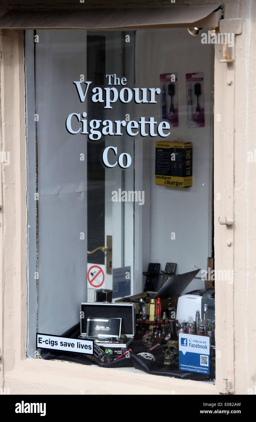 Vapour Cigarette Shop in Derbyshire town of Glossop - Stock Image