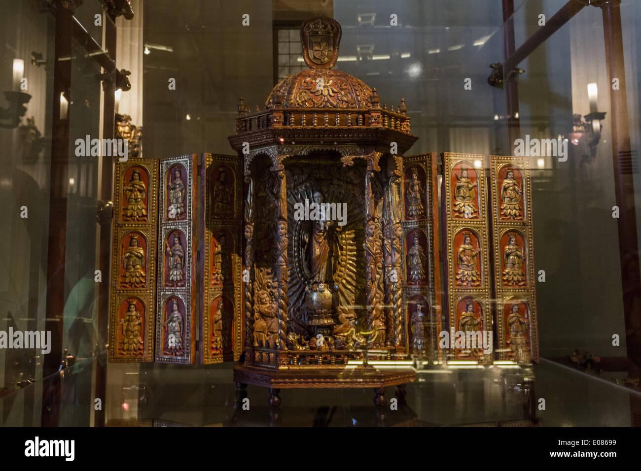 Turin, Italy - 2014:05:05 - From May 7 to September 28, 2014, Palazzo Madama accomodates the exhibit 'Tesori dal Portogallo. Architetture Immaginarie dal Medioevo al Barocco'. (Photo by Elena Aquila / Pacific Press) - Stock Image
