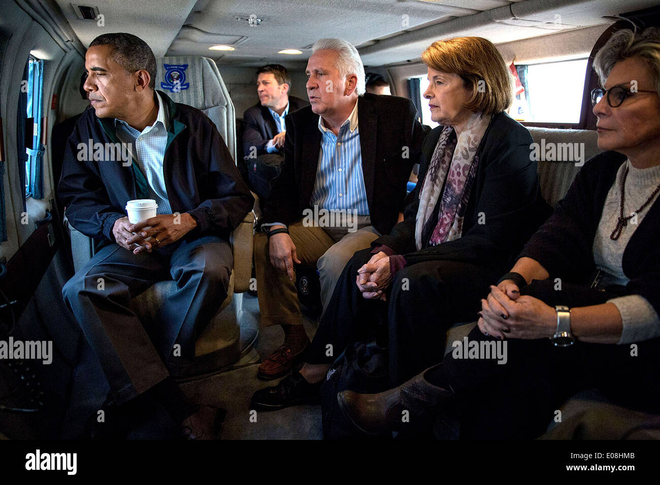 US President Barack Obama views drought conditions in California, aboard Marine One from Fresno to Firebaugh, accompanied by Rep. Jim Costa and Senators Dianne Feinstein and Barbara Boxer February 11, 2014. - Stock Image