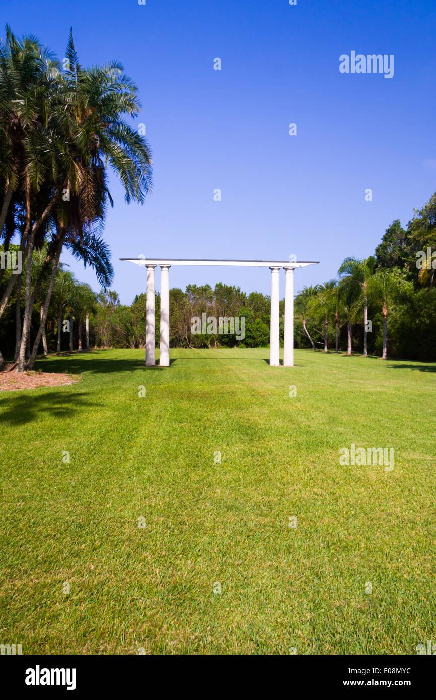 Lawn Pergola Stock Photos & Lawn Pergola Stock Images - Alamy