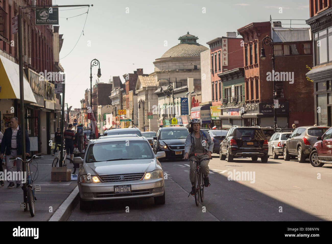 Manhattan Avenue, the main shopping street in Greenpoint, Brooklyn in New York on Saturday, May 3, 2014. (© Richard B. Levine) - Stock Image