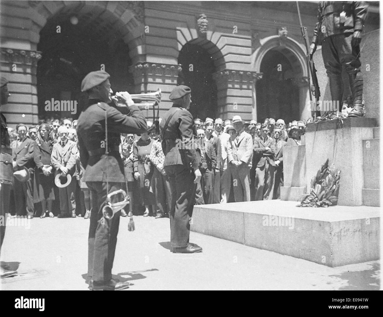 "Bugler of the Australian Tank Corps blows ""Last Post"" Stock Photo"