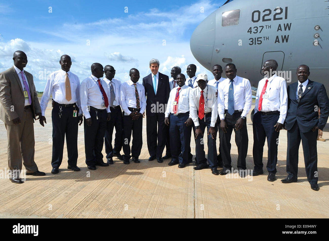 Secretary Kerry Poses With Local Motor Pool Who Drove Him in South Sudan - Stock Image