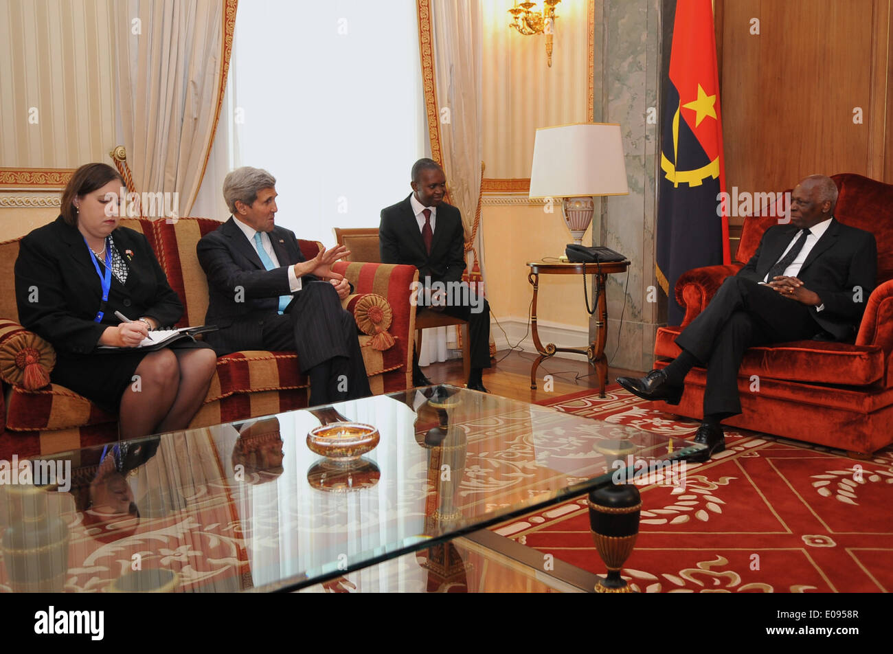 Secretary Kerry, Charge Merritt Meet With Angolan President dos Santos in Luanda - Stock Image