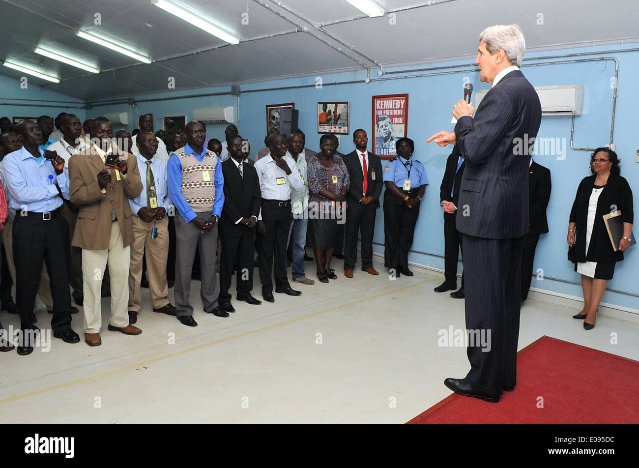 Secretary Kerry Addresses Locally Employed Staff at Embassy Juba - Stock Image