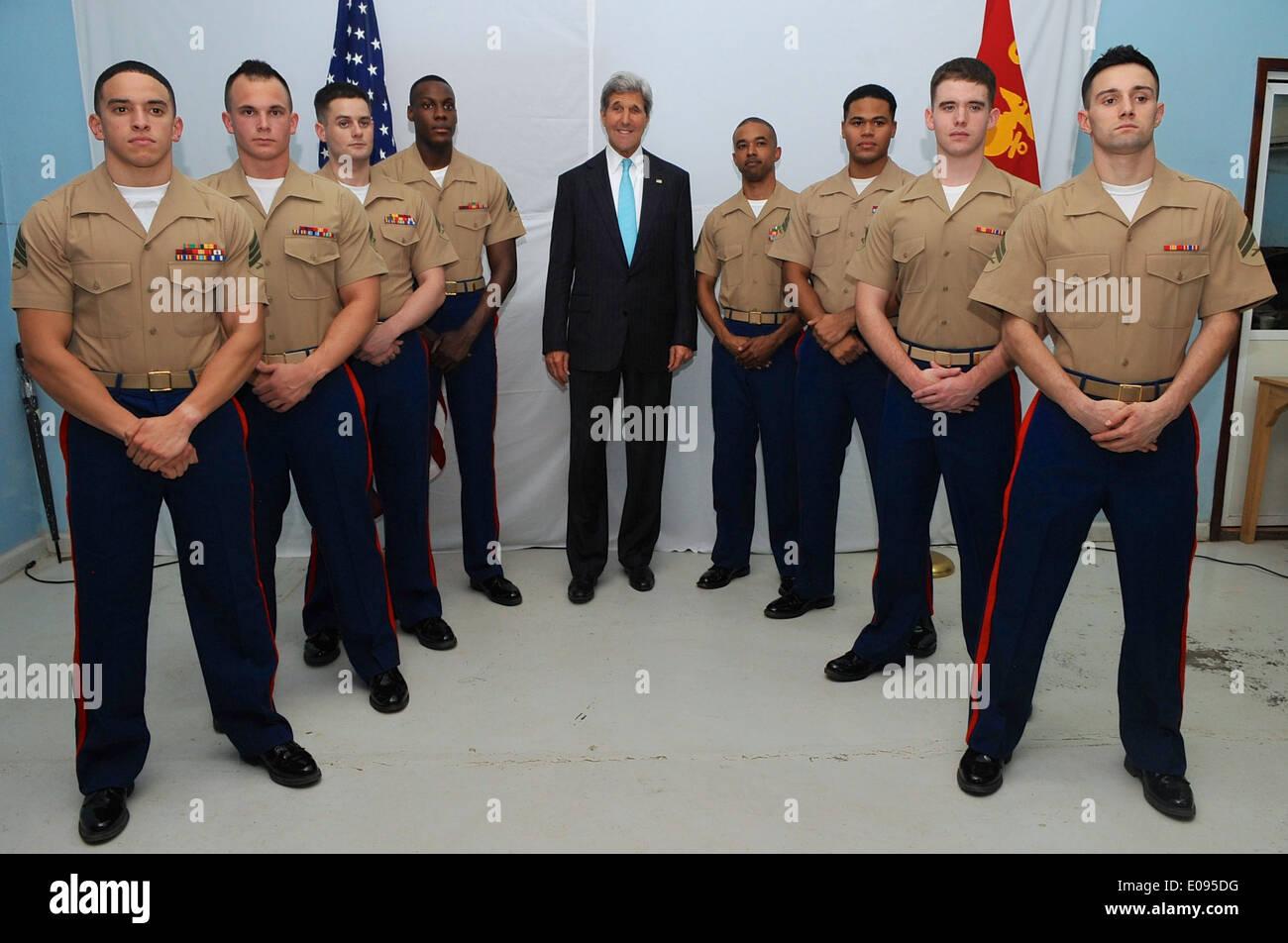 Secretary Kerry Poses With Marines Stationed at Embassy Juba - Stock Image