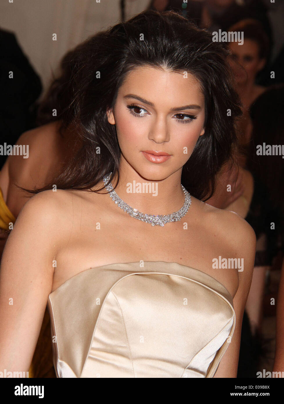 New York, New York, USA. 5th May, 2014. KENDALL JENNER attends the 2014 Costume Institute Benefit Gala opening of 'Charles James: Beyond Fashion and the new Anna Wintour Costume Center' held at the Metropolitan Museum of Art. © Nancy Kaszerman/ZUMAPRESS.com/Alamy Live News - Stock Image