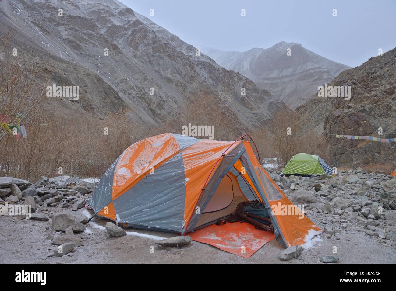 High altitude trekking camp in Hemis national park, Ladak, India - Stock Image