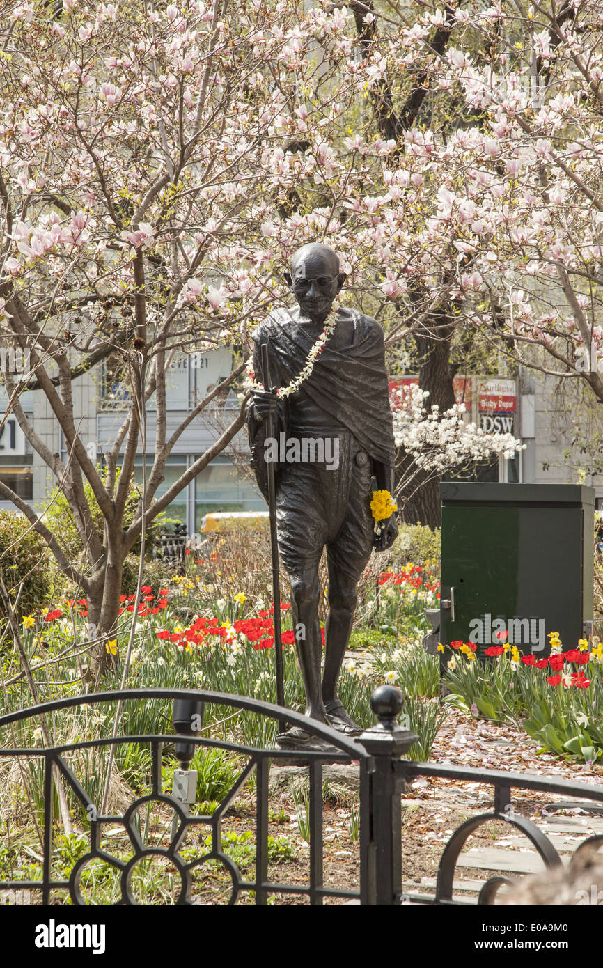 Sculpture of Mahatma Gandhi on Earth Day at Union Square in Manhattan, NYC. - Stock Image