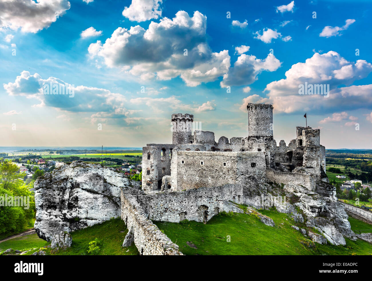 Ruins of a castle, Ogrodzieniec fortifications, Poland. - Stock Image