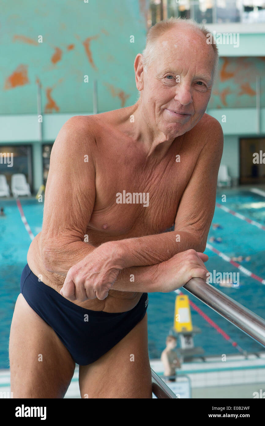 Heinz Weisbarth, born 1935 is a German highboard diver. In July 2010 he won three world championship titles - Stock Image