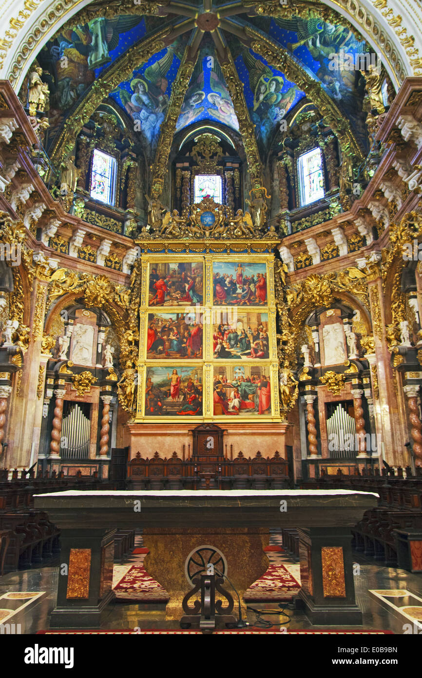 The main Altarpiece and the Canonical Choir in Valencia Cathedral - Stock Image