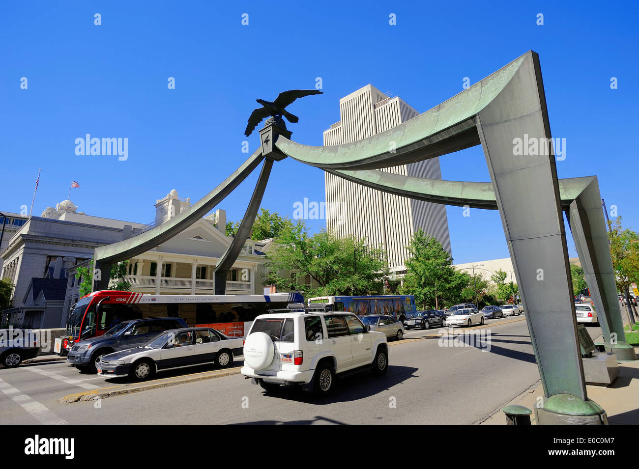 Street and Eagle Gate in front of LDS Church Office Building, Salt Lake City, Utah, USA - Stock Image