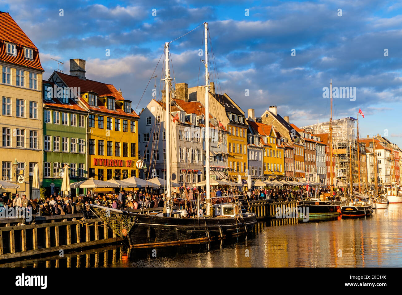 Nyhavn canal and entertainment district, Copenhagen, Denmark - Stock Image