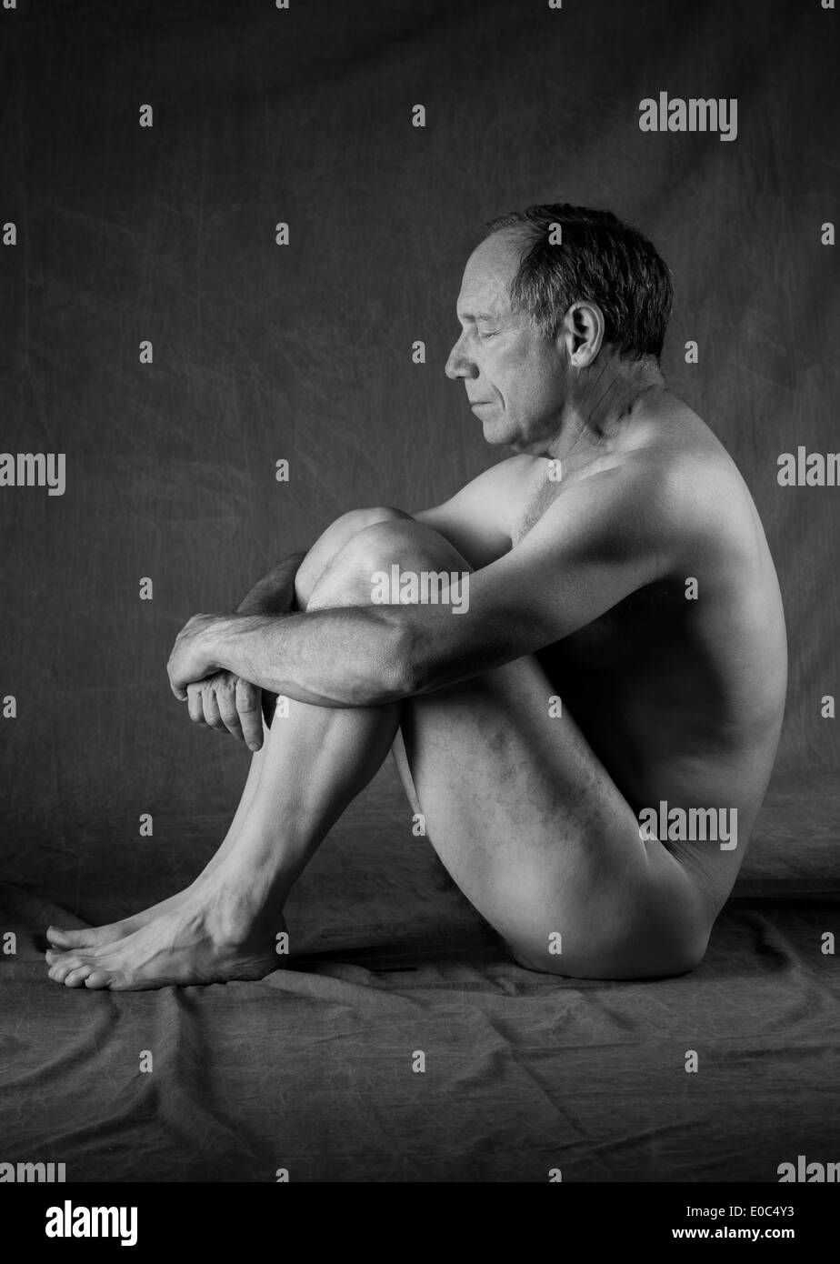 nude-middle-aged-man