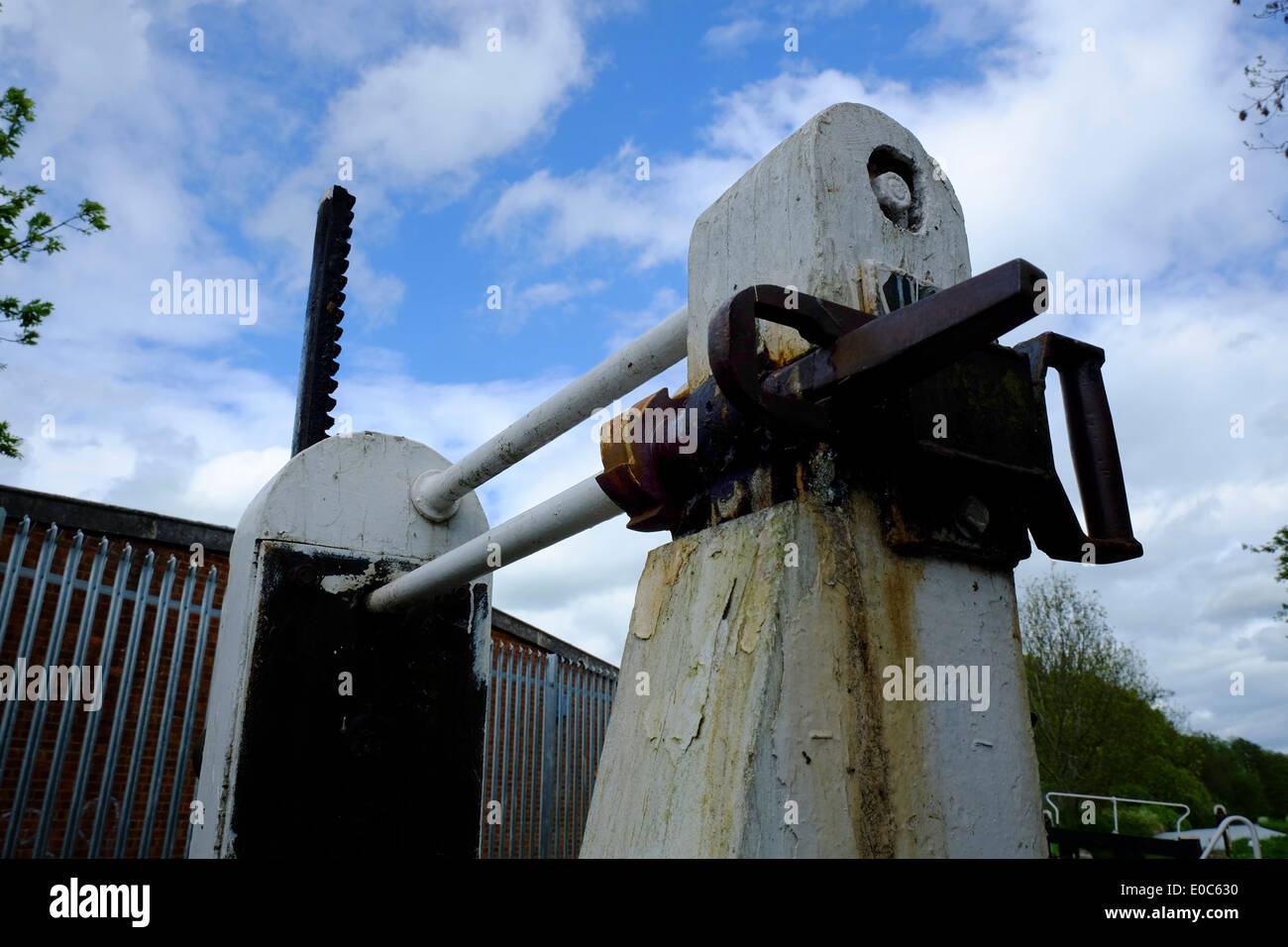 Canal lock valve mechanism on Grand Union Canal, Aylesbury - Stock Image