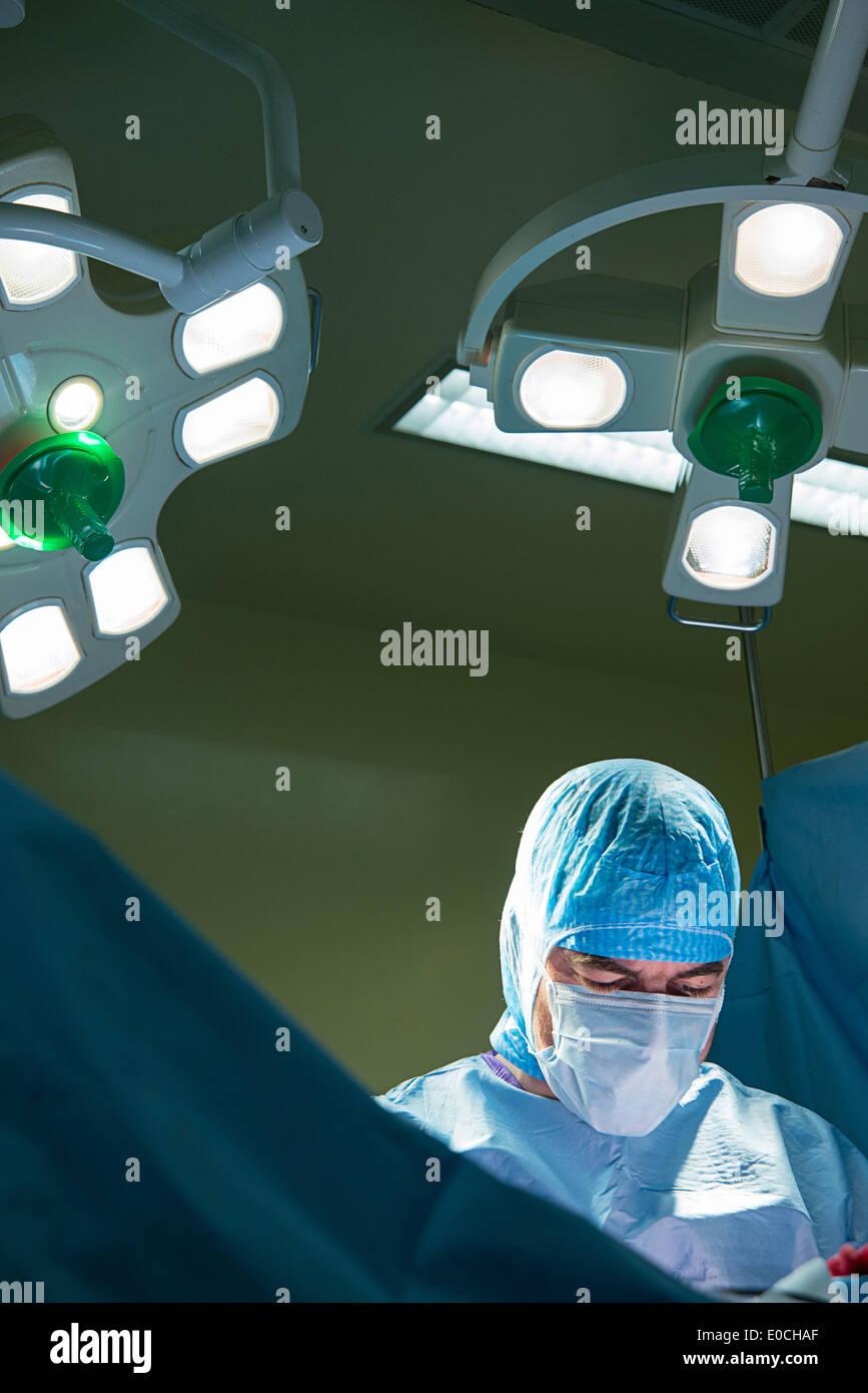 Hip prosthesis, surgery - Stock Image