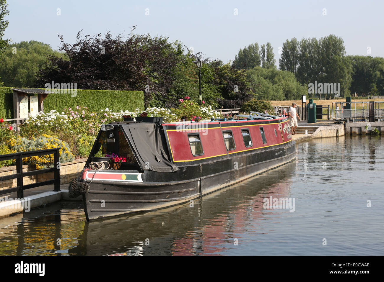 Narrowboat Sandford Lock River Thames Oxfordshire - Stock Image