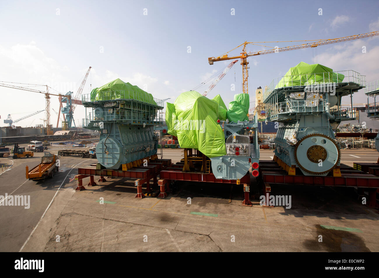 MAN two-stroke ship's engine, modular production at the largest shipyard in the world Hyundai Heavy Industries, HHI, in Ulsan, S - Stock Image