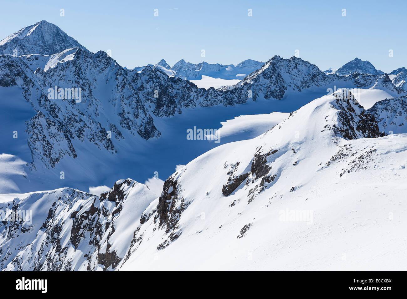 Schrankogl on the left, Bachfallenkopf and Gruene Tatzen below, Bachfallenferner glacier in center, view from Hoher Stock Photo