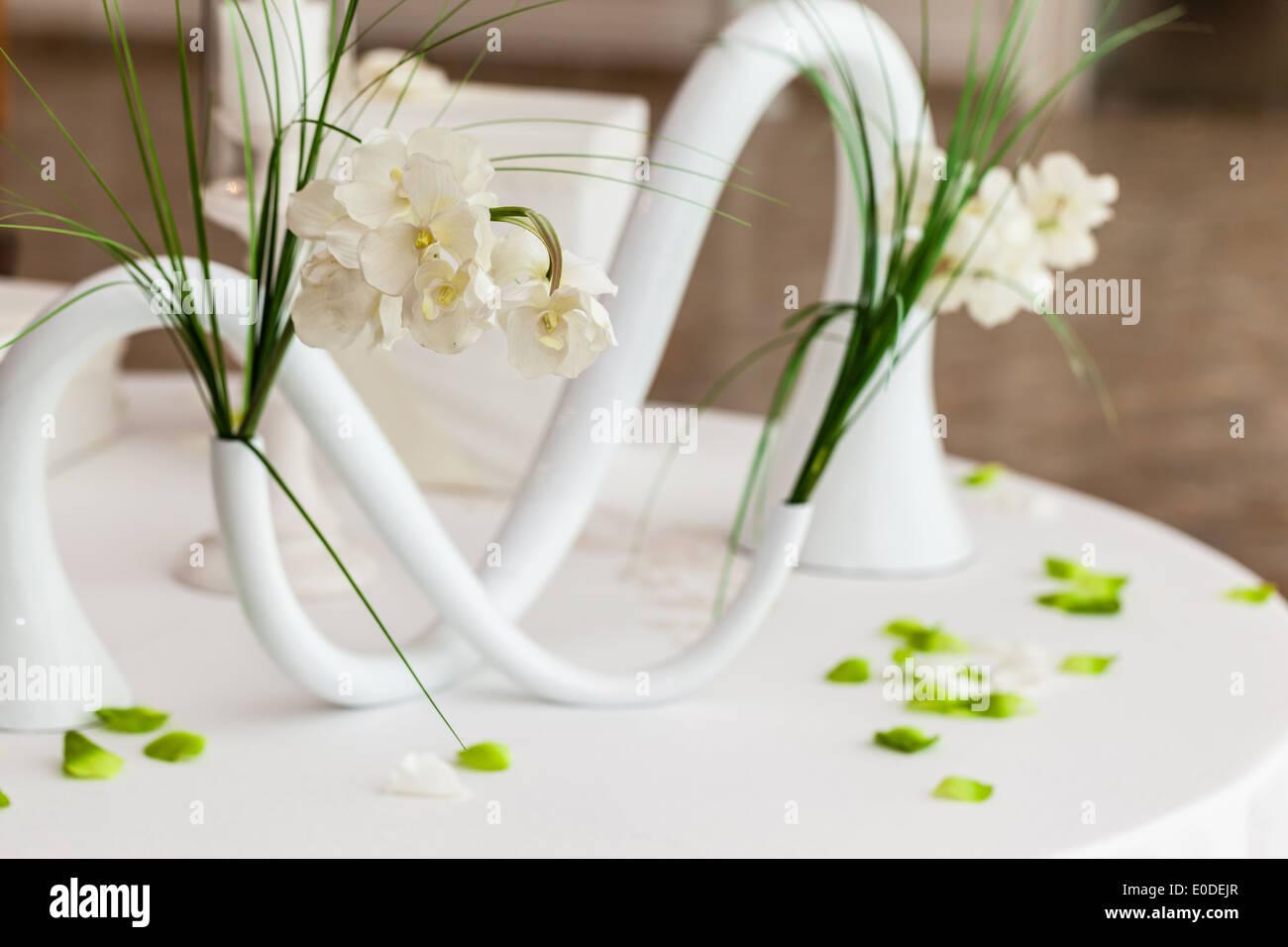 Flower Bouquet Daffodils Vase Table Stock Photos & Flower Bouquet ...