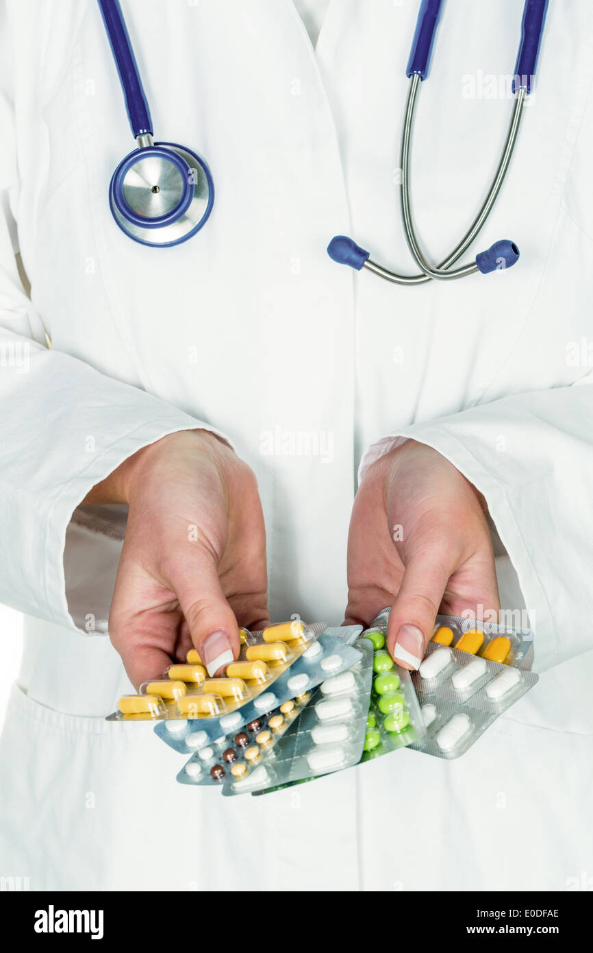 Doctor prescribes a drug. Special drugs are liable to recipe, Arzt verschreibt ein Medikament. Besondere Medikamente Stock Photo