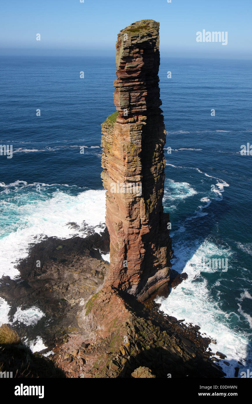 Old Man of Hoy sea stack (449 ft or 137m high) on the Island of Hoy in Orkney - Stock Image
