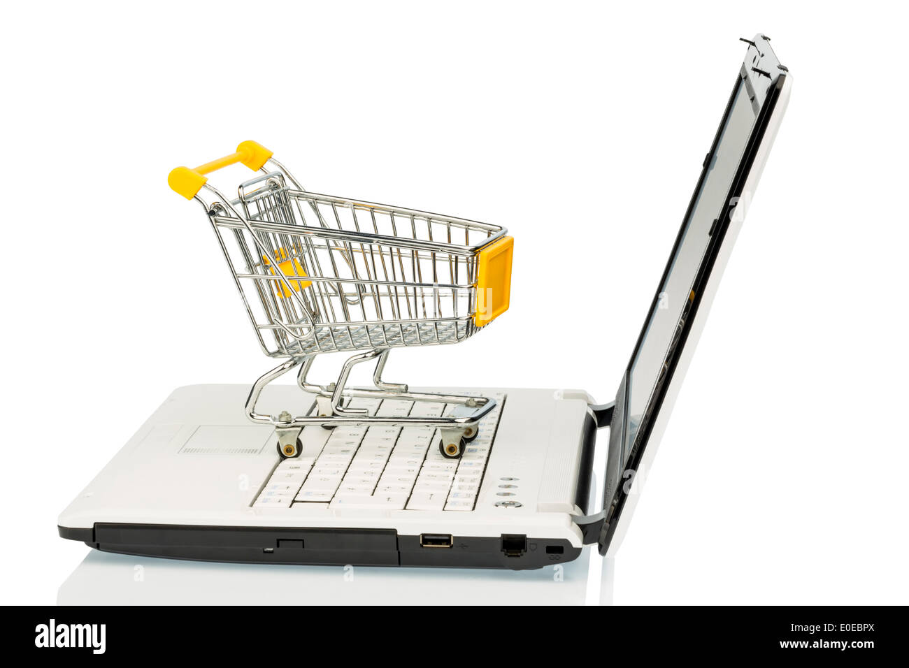 An empty shopping cart on a laptop computer. Symbolic photo for shopping on the Internet, Ein leerer Einkaufswagen Stock Photo