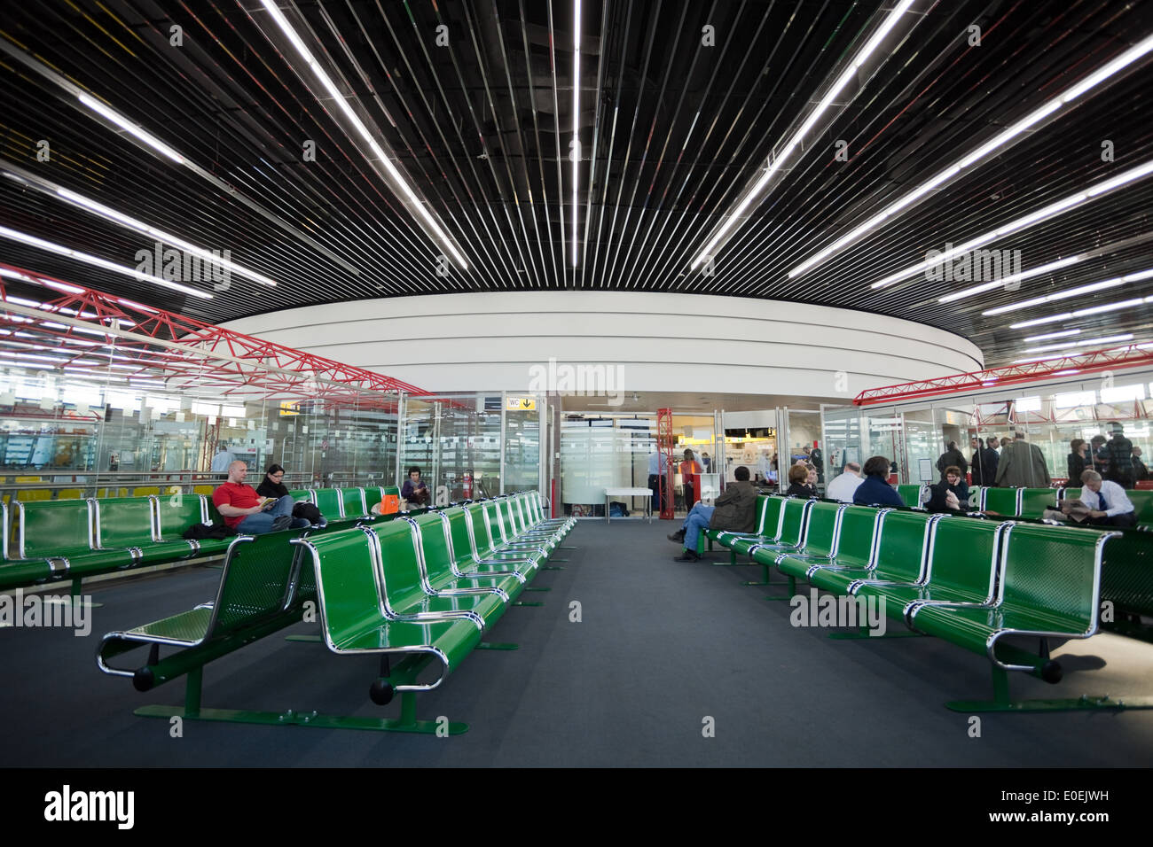 Wartebereich am Flughafen - Waiting area on an Airport Stock Photo