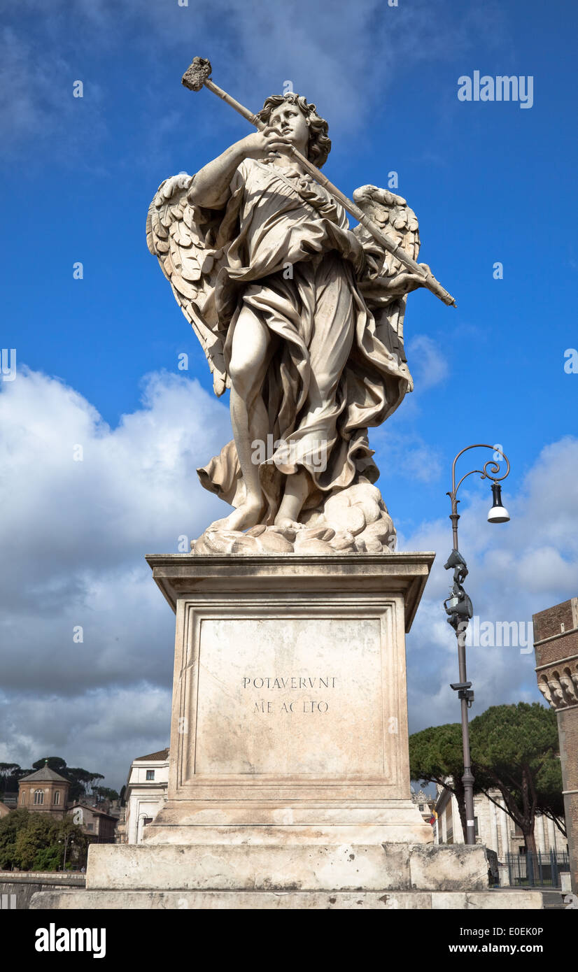 Engelsstatur, Engelsbrücke, Rom, Italien - Angel statue, Bridge of Angels, Rome, Italy - Stock Image