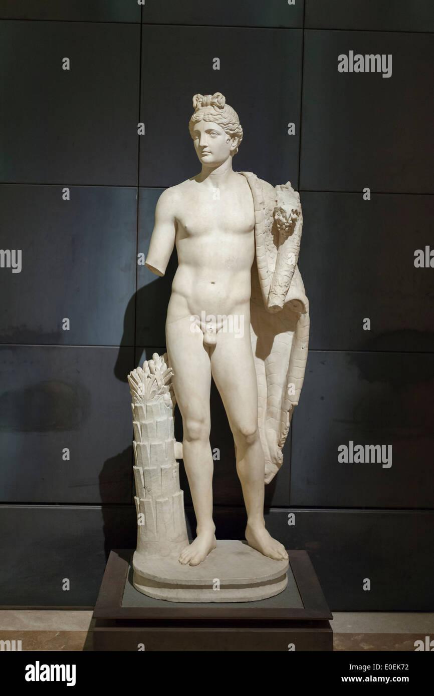Statue of a genius with cornucopia - Stock Image