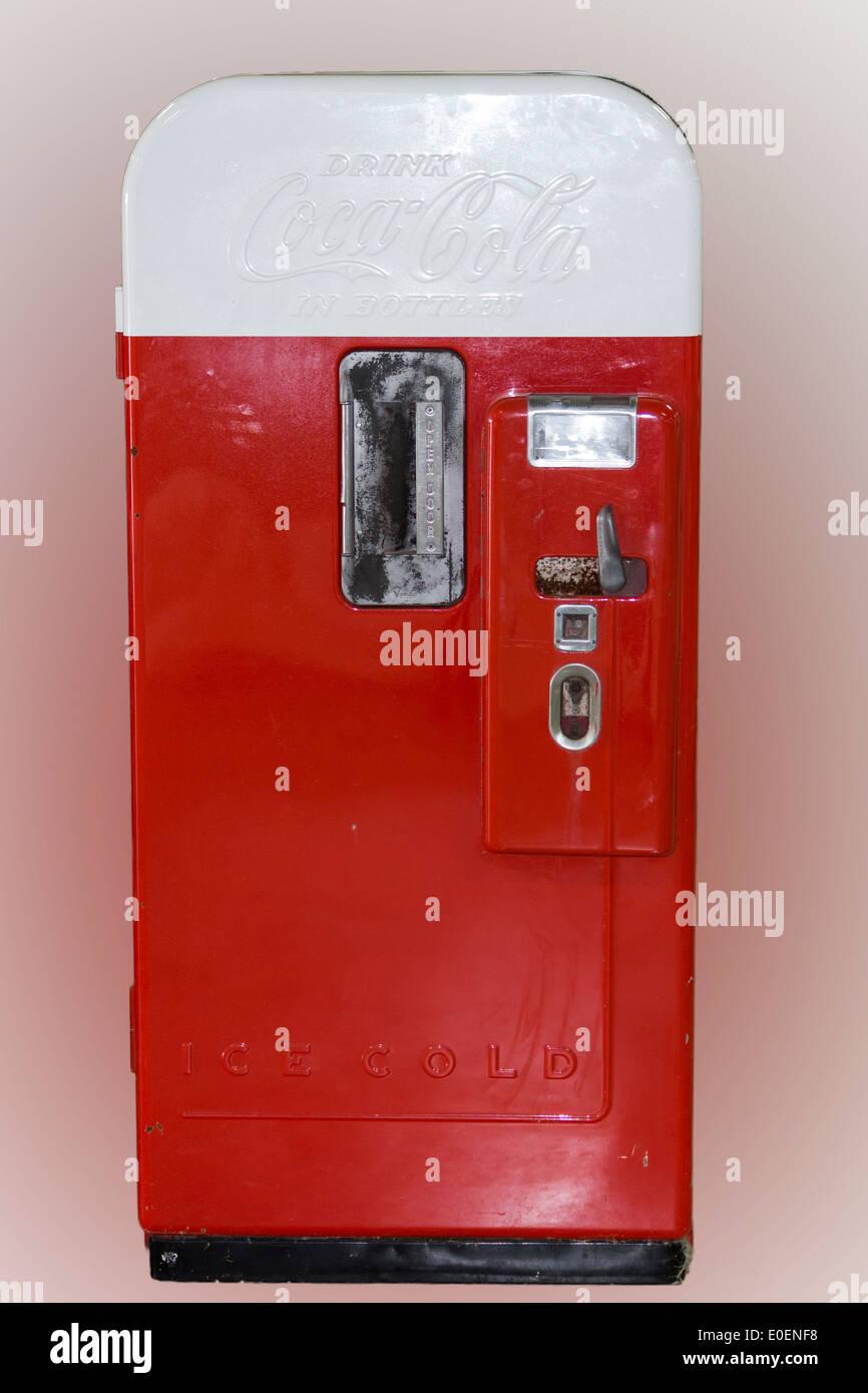 Soft Drink Dispenser Stock Photos Amp Soft Drink Dispenser