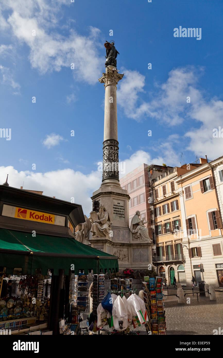 Denkmal am Piazza di Spagna, Rom, Italien - Monument at the Piazza di Spagna, Rome, Italy - Stock Image