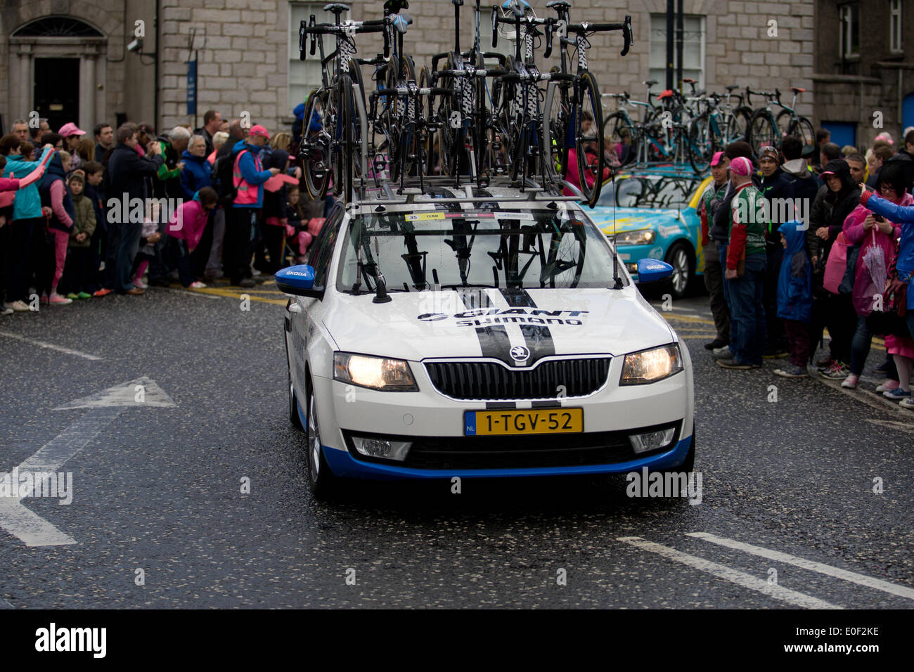 armagh city, northern ireland, 11 may 2014. team car giant-shimano