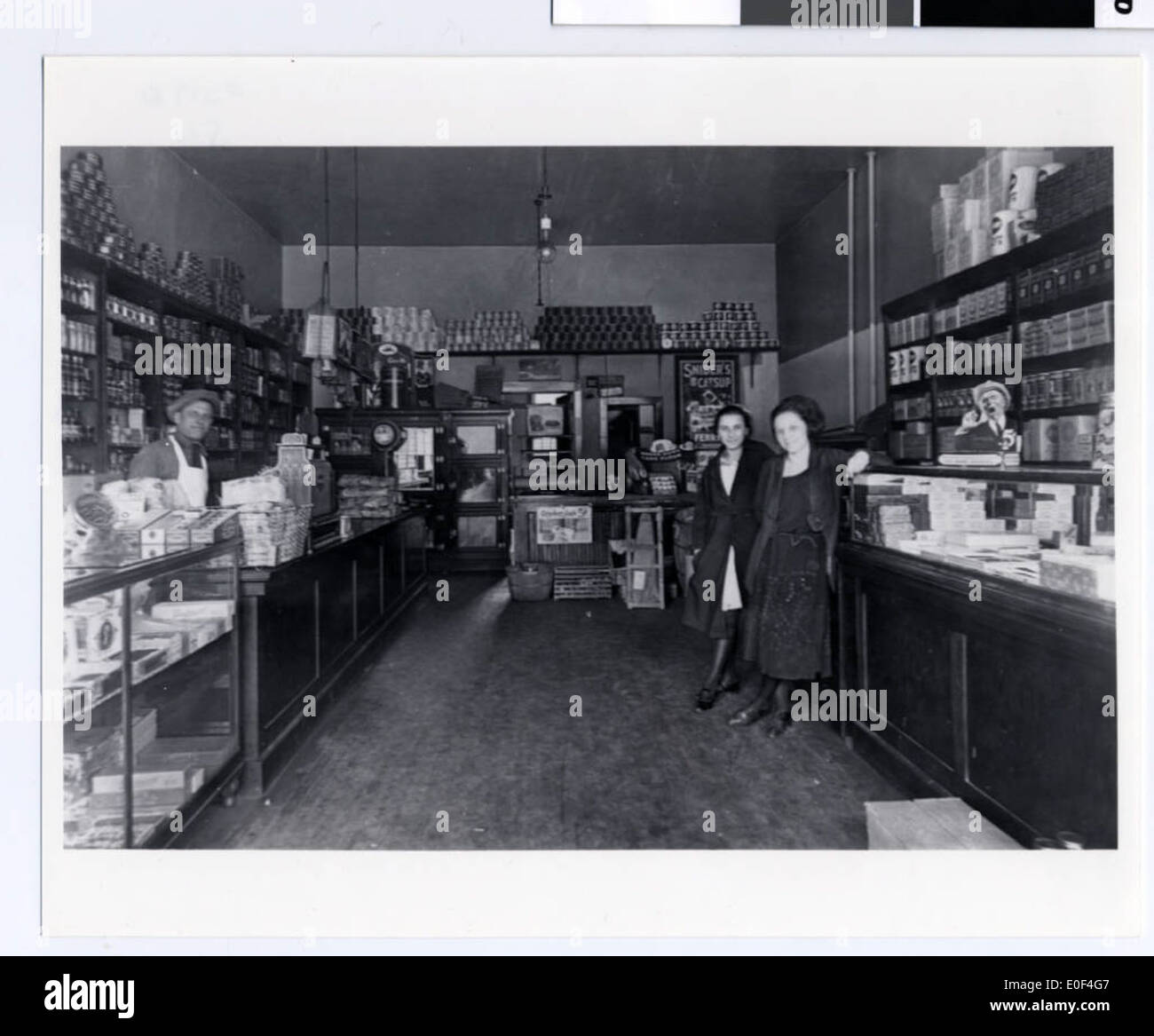 Interior of the Kenner Grocery Store in Duluth - Stock Image