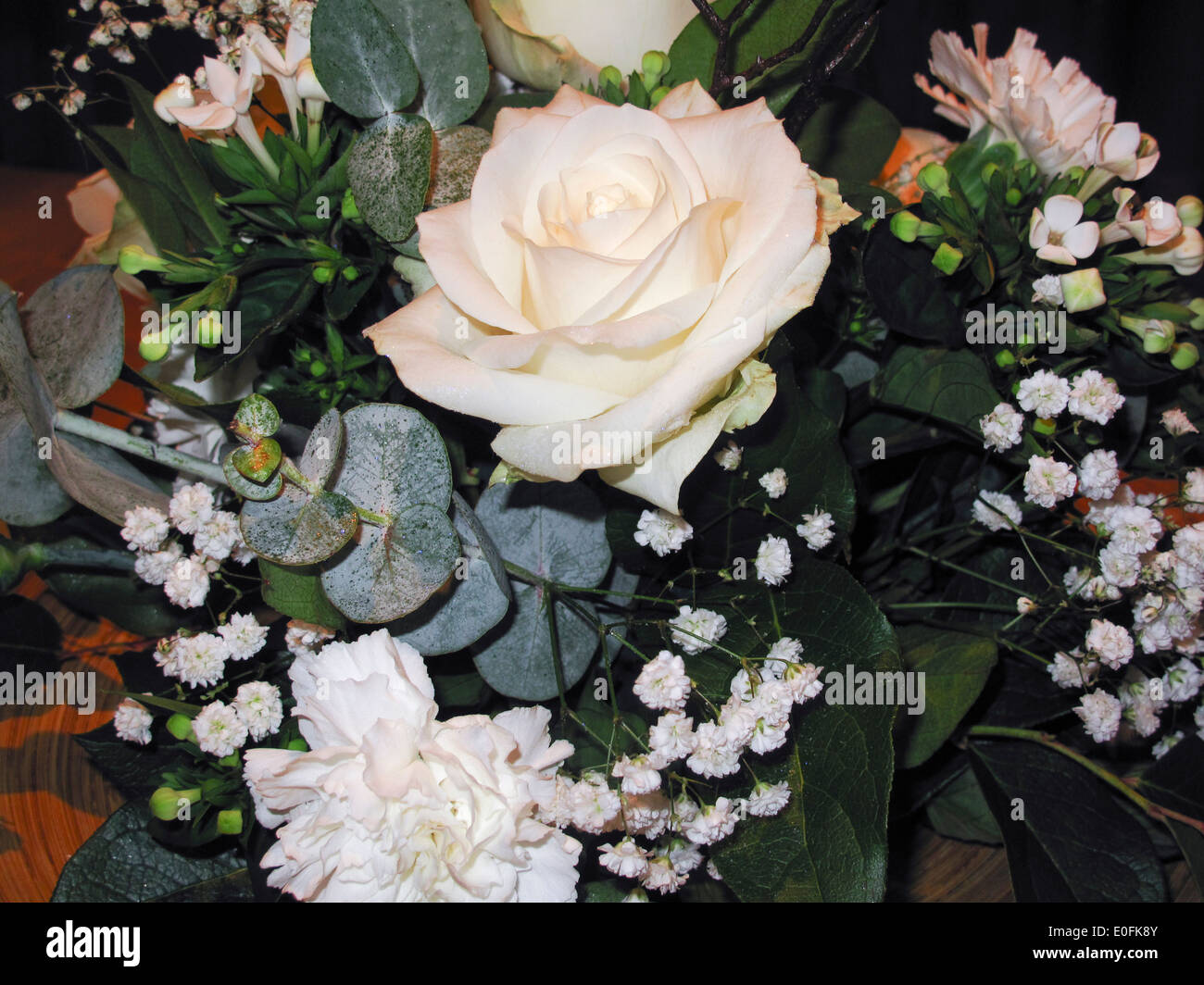 Flower Arrangement With White Roses Stock Photo 69185899 Alamy