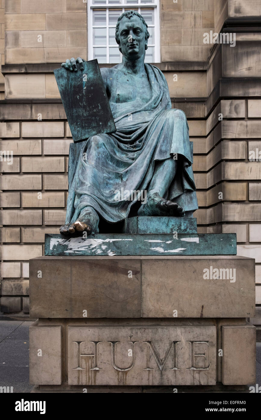 Statue of Hume by Alexander Stoddart on the Royal Mile in Edinburgh - Stock Image