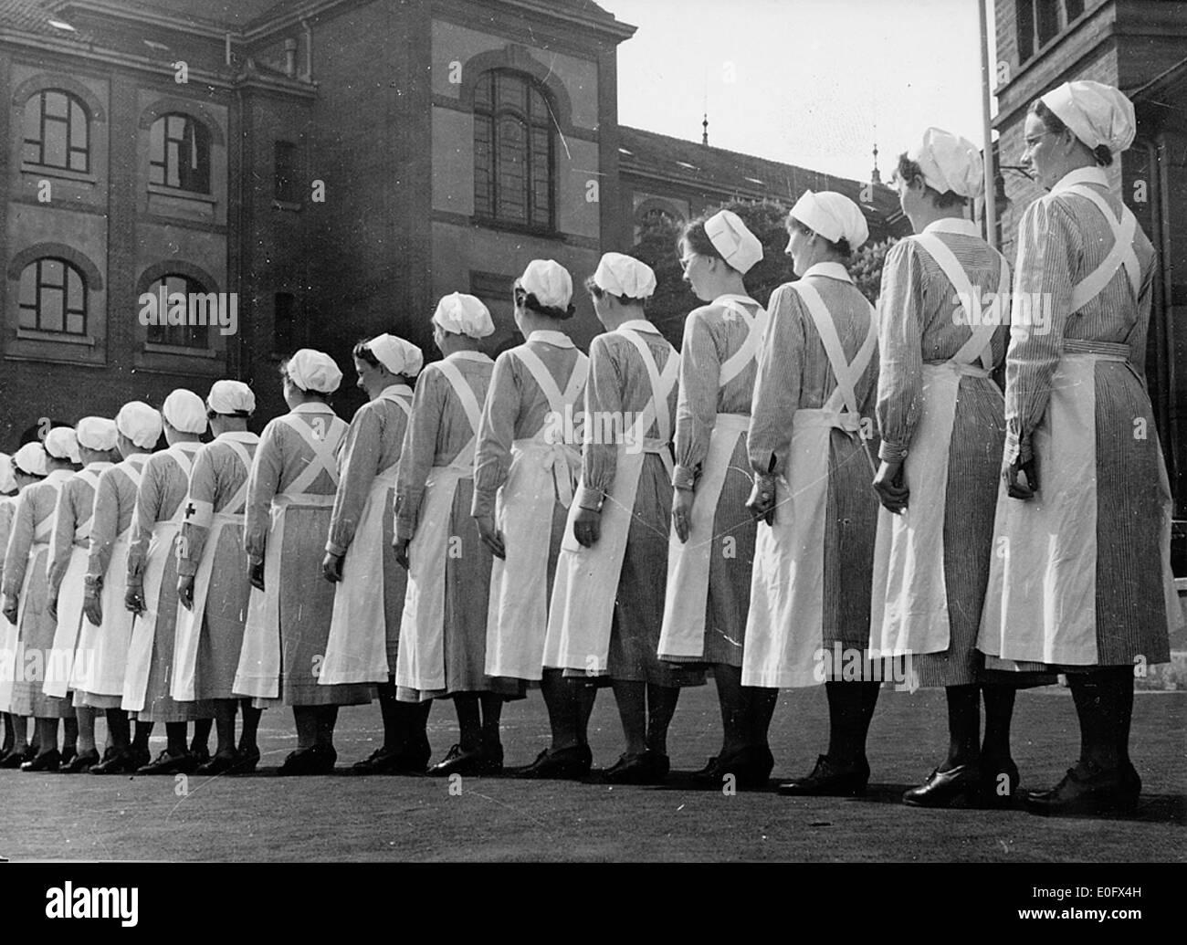 Kvinnelige studenter i krig - Stock Image