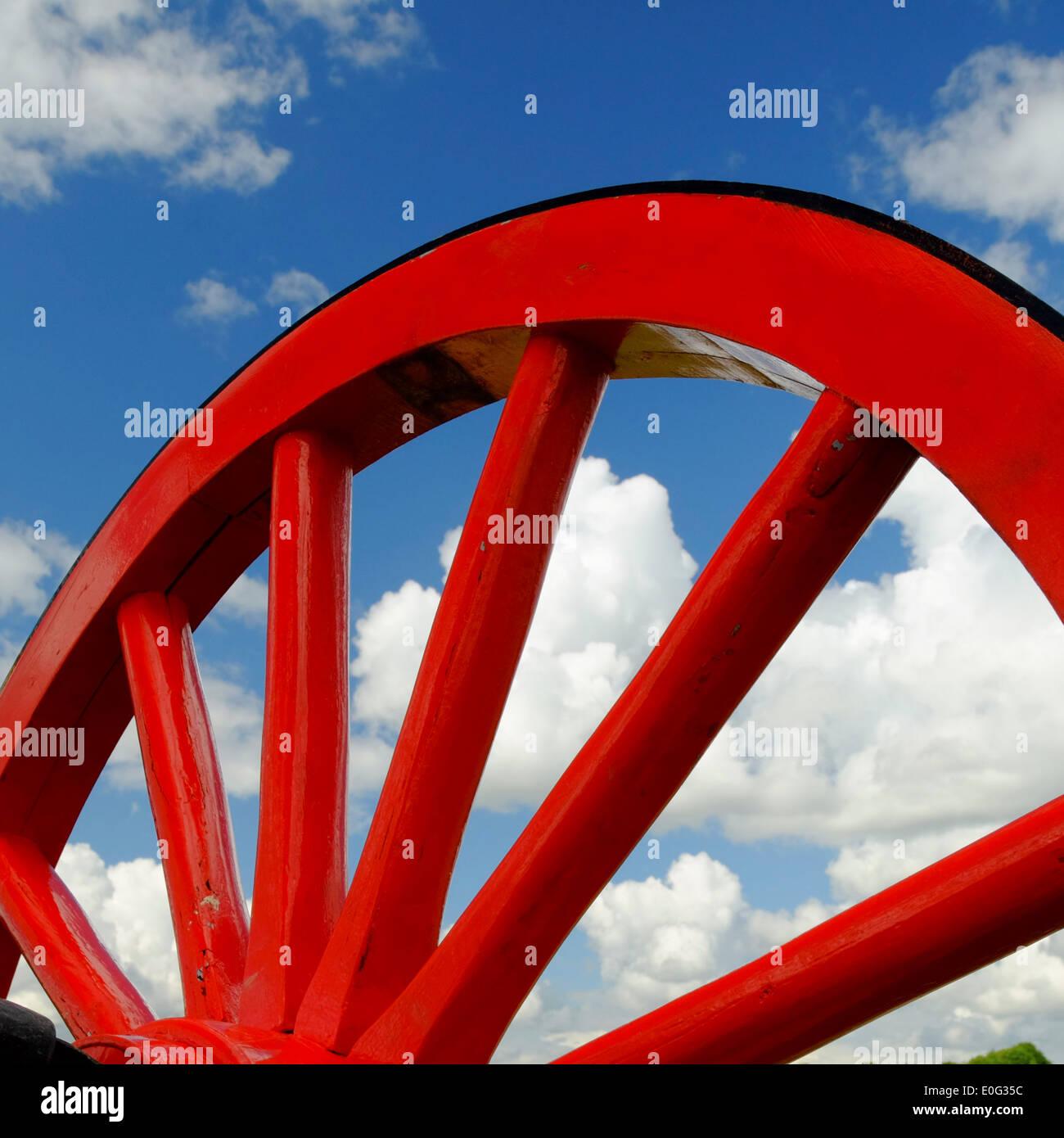red wagon wheel on Pitstone Windmill - Stock Image
