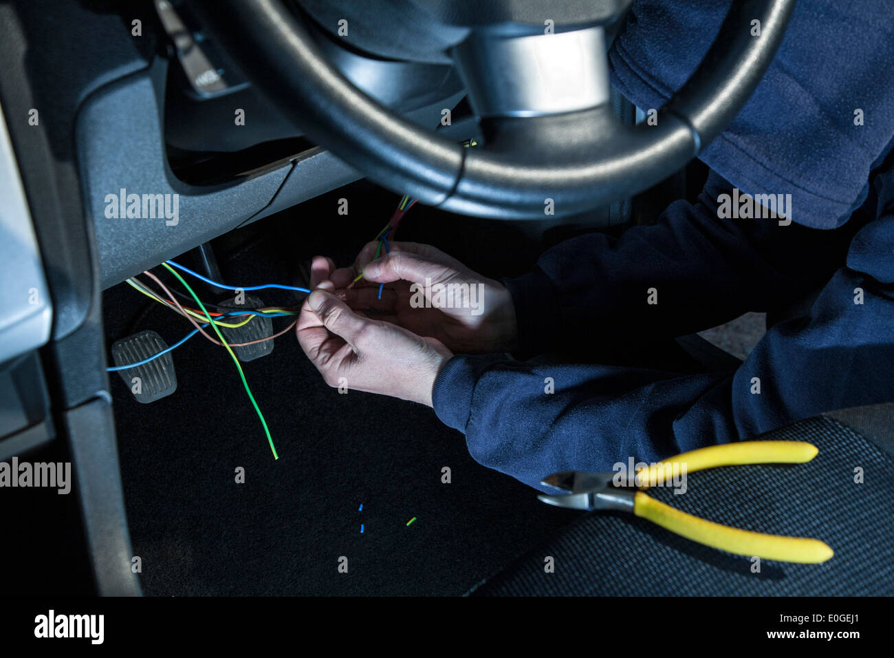 hot wiring cars auto electrical wiring diagram u2022 rh 6weeks co uk
