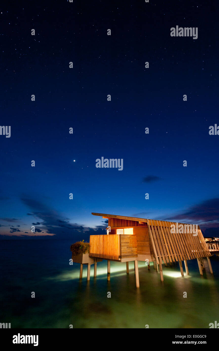 stars in the sky over water villa at Park Hyatt Maldives Hadahaa, Gaafu Alifu Atoll, North Huvadhoo Atoll, Maldives - Stock Image