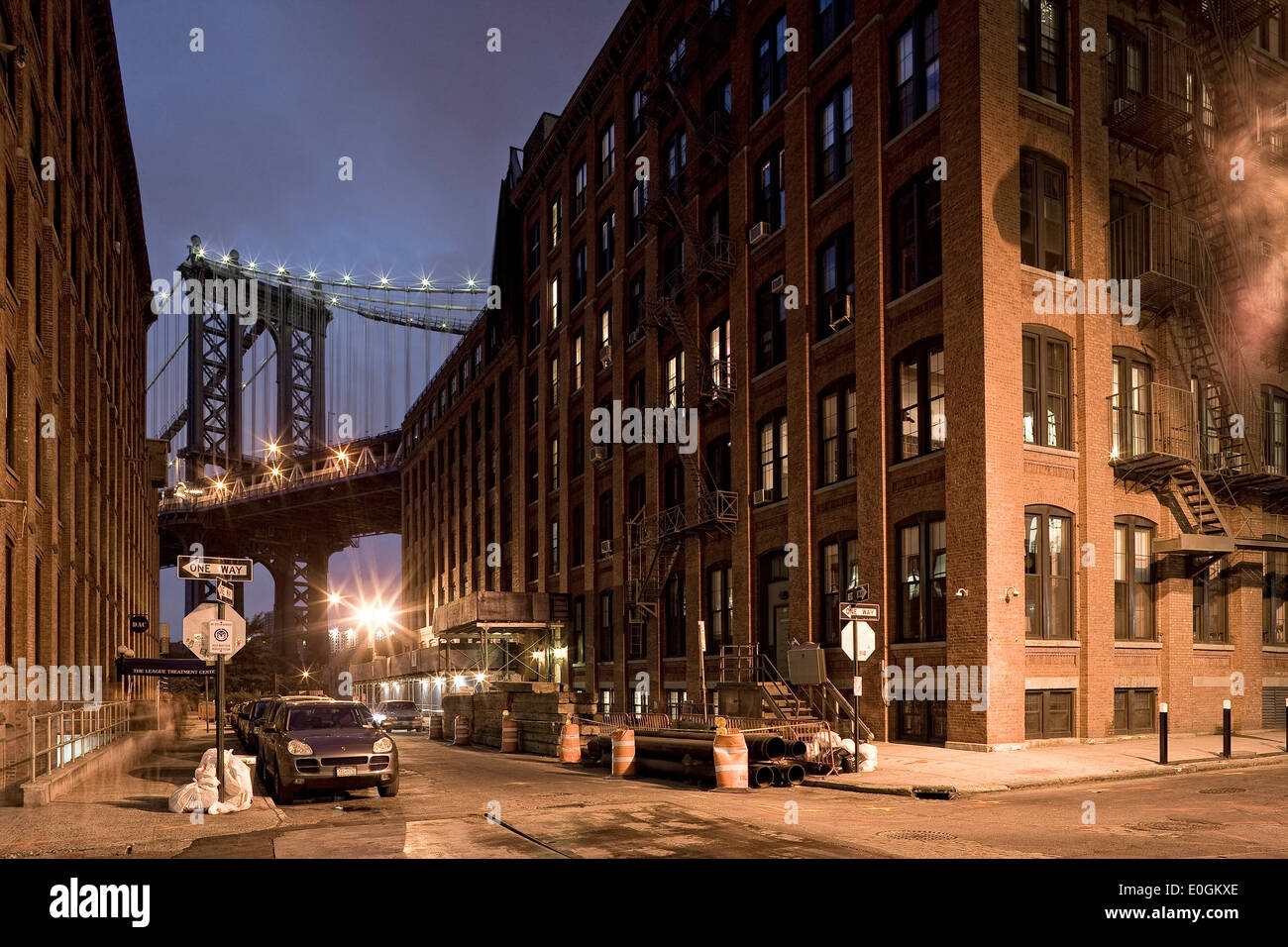 Manhattan Bridge, connects the New York City boroughs of Manhattan and Brooklyn by spanning the East River, New York, New York C - Stock Image