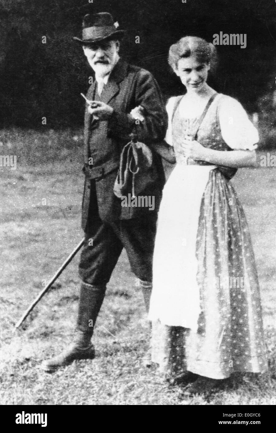 Sigmund Freud with daughter Anna Freud walking in Dolomite Alps - Stock Image