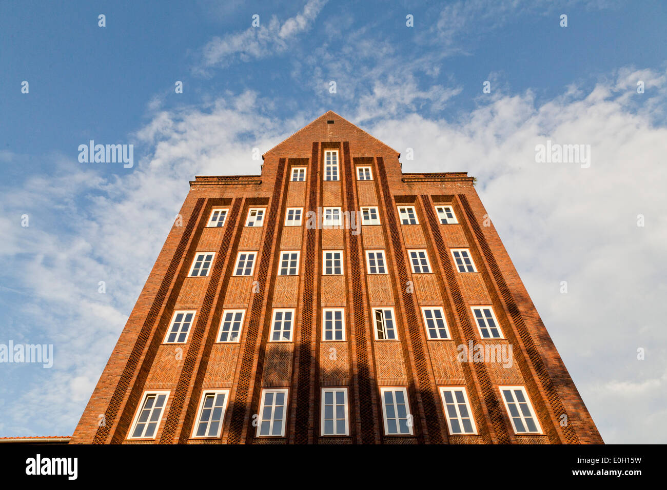 Haus der Wissenschaft, university with red brick fassade in late expressionism style which opened in 1937, shaped like a rocket, - Stock Image