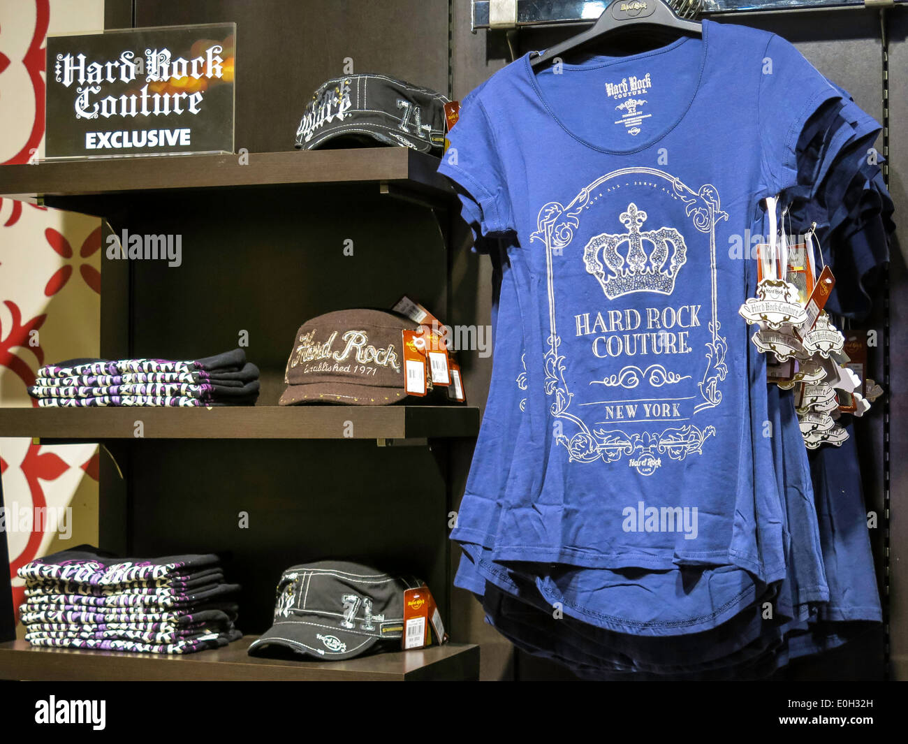 Hard Rock Cafe Gift Shop in Times Square e246d54713a