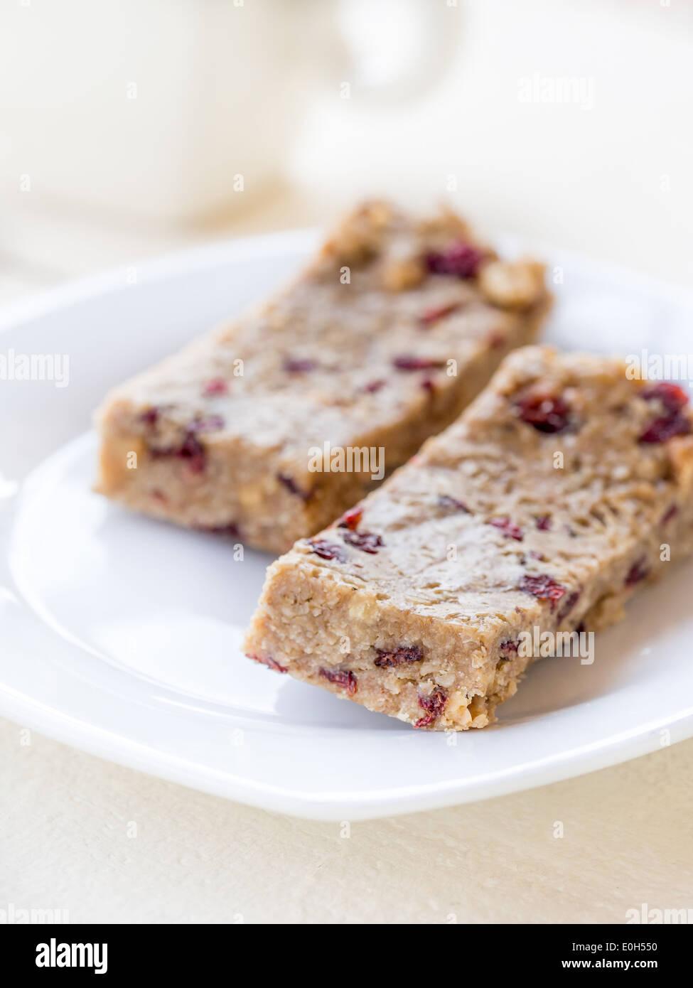 Homemade protein bars oats honey peanut butter