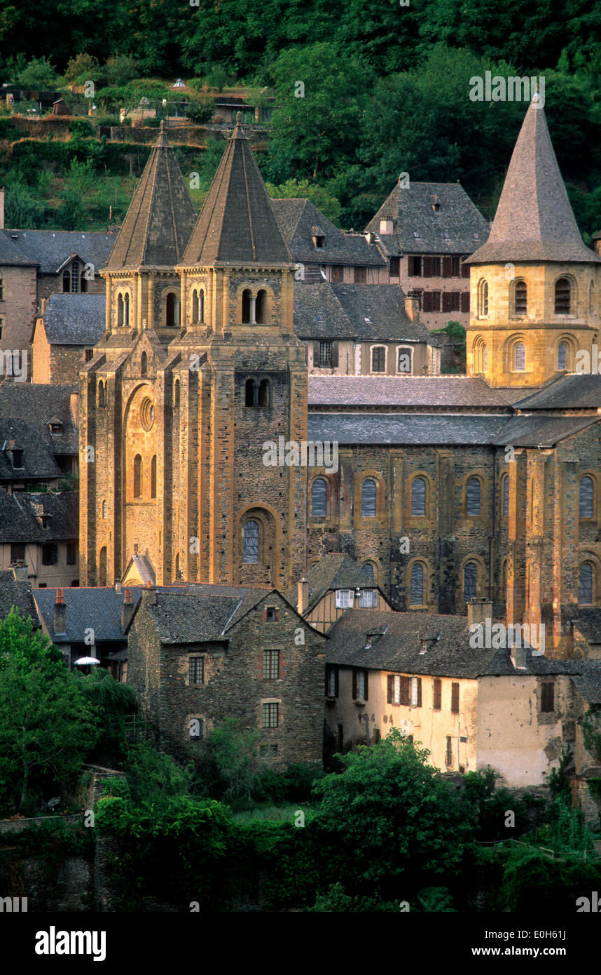 Abbatiale Sainte Foy / St Foy abbey church, on the Way of St. James in Conques, Aveyron, Midi-Pyrenees, France - Stock Image