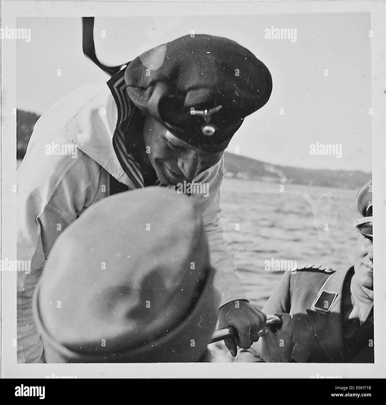 Tromsö. Ein Bootsmaat aus dem Ruhrgebiet begrüsst den RK - Stock Image