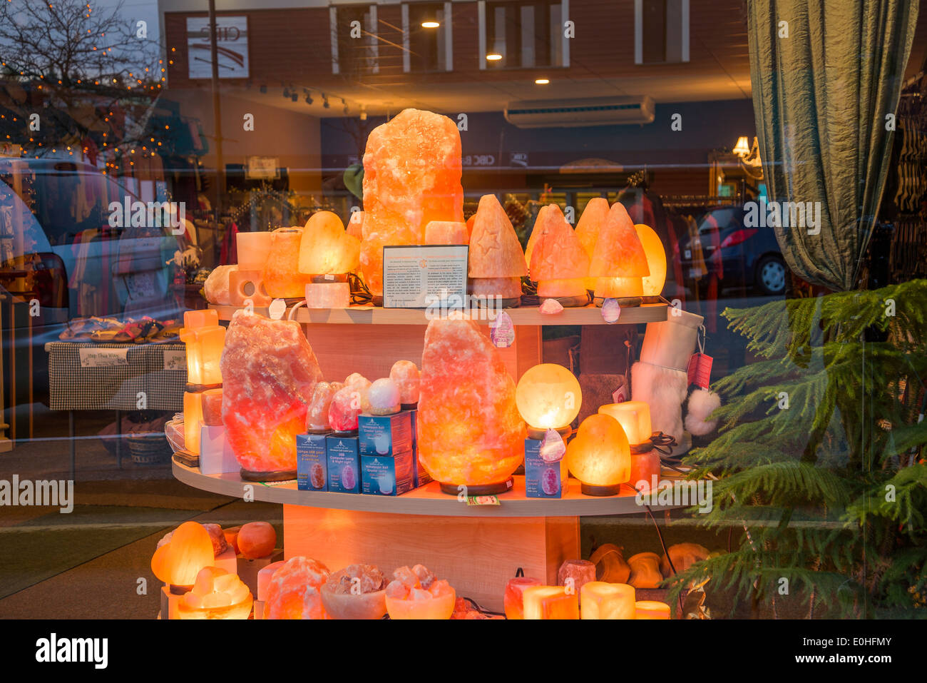 Window display of Himalayan salt crystal lamps, Ladysmith, British Columbia, Canada - Stock Image